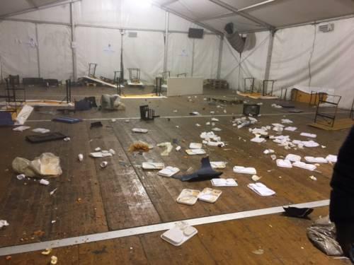 """La distruzione a Conetta dopo la guerriglia: """"Ora qui regna la paura"""""""