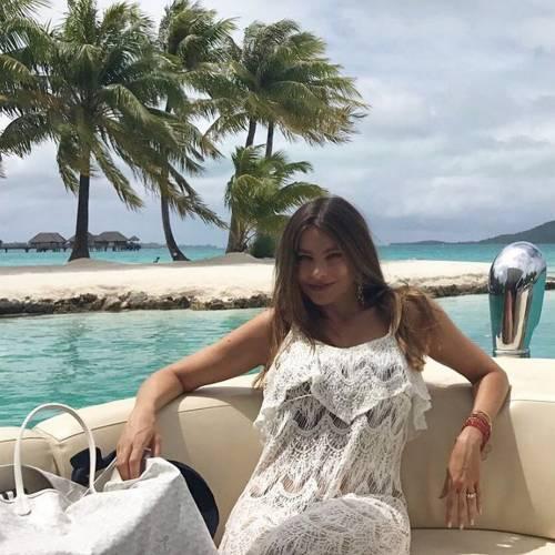 Sofia Vergara, sexy conduttrice dei Golden Globe 2017 16