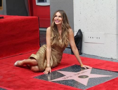 Sofia Vergara, sexy conduttrice dei Golden Globe 2017 18