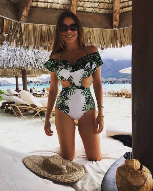 Sofia Vergara, sexy conduttrice dei Golden Globe 2017 22