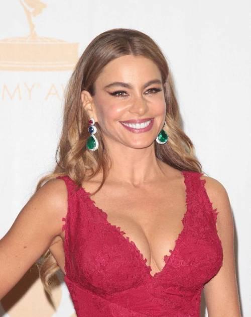 Sofia Vergara, sexy conduttrice dei Golden Globe 2017 24