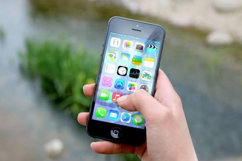 Apple, 10 anni fa il primo lancio in America dell'iPhone