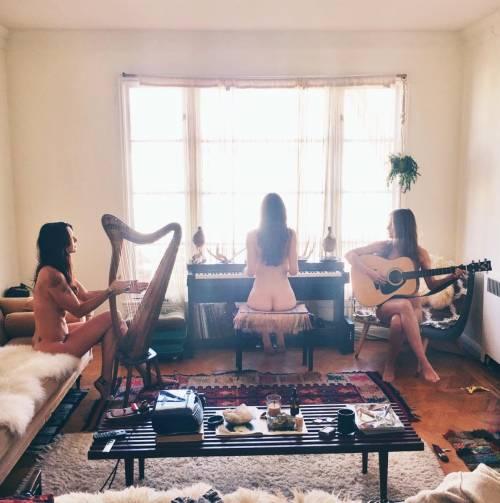 The Magdalena Experience, i nudi su Instagram 26