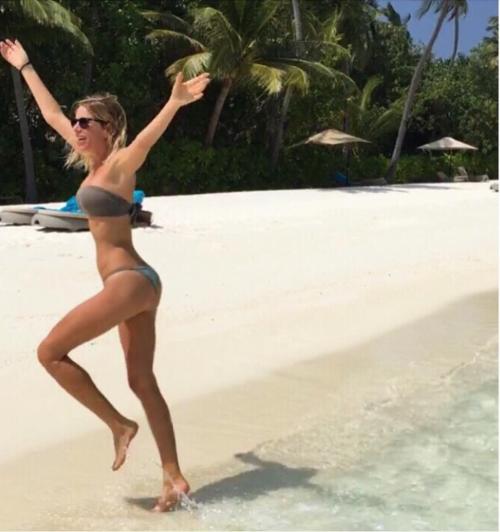 Alessia Marcuzzi sexy ed elegante 15