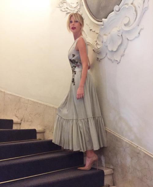 Alessia Marcuzzi sexy ed elegante 25