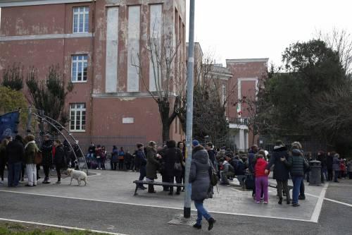 Terremoto, panico a Roma: chiusa metropolitana, evacuate scuole e uffici 11