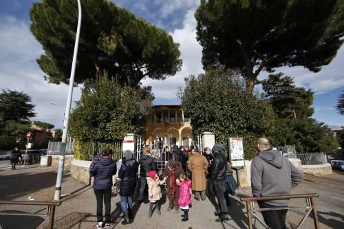 Terremoto, panico a Roma: chiusa metropolitana, evacuate scuole e uffici 12