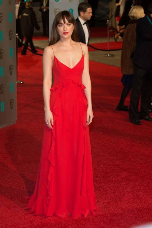 Dakota Johnson, sexy protagonista di 50 Sfumature 4