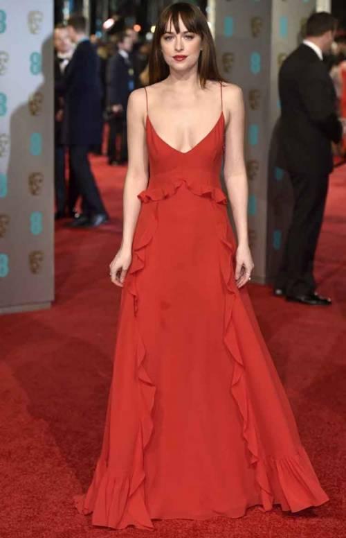 Dakota Johnson, sexy protagonista di 50 Sfumature 6