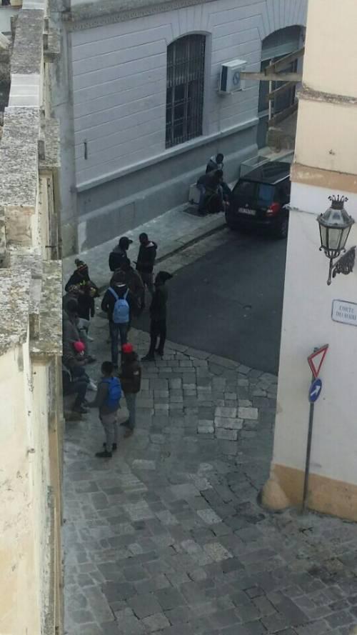 Risse, droga e degrado a Lecce 10