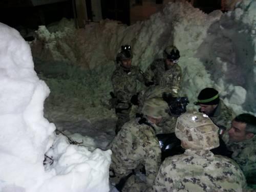 Gli alpini nei paesi isolati dalla neve 5