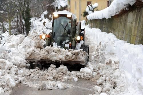 Gli alpini nei paesi isolati dalla neve 8