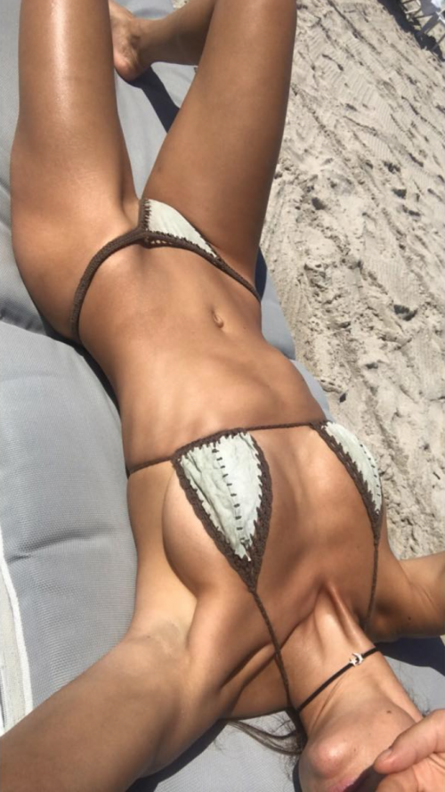 Dayane Mello hot, le foto sexy della modella 21