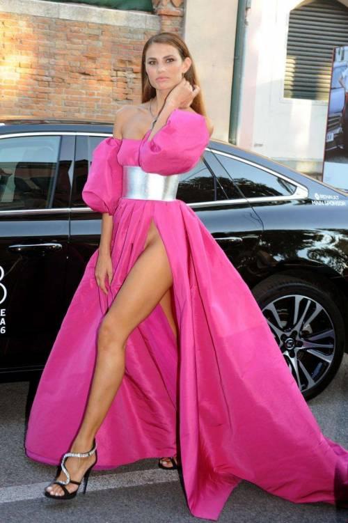 Dayane Mello hot, le foto sexy della modella 23