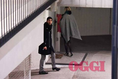Federica Pellegrini e Filippo Magnini: paparazzati mentre si baciano in auto 5