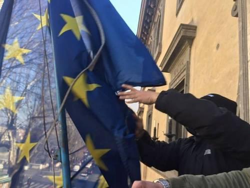 La protesta dell'estrema destra al fianco dei senza casa italiani 6
