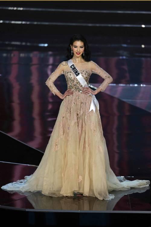 Miss Universo, lo spettacolo dei costumi più belli 5