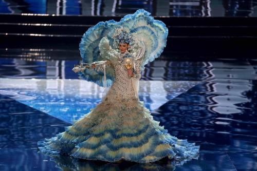 Miss Universo, lo spettacolo dei costumi più belli 2