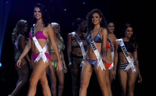 Miss Universo, lo spettacolo dei costumi più belli 12