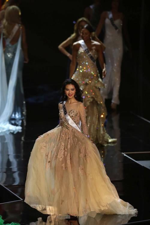 Miss Universo, lo spettacolo dei costumi più belli 7