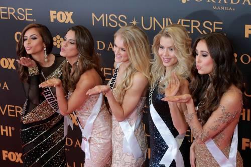 Miss Universo, lo spettacolo dei costumi più belli 8