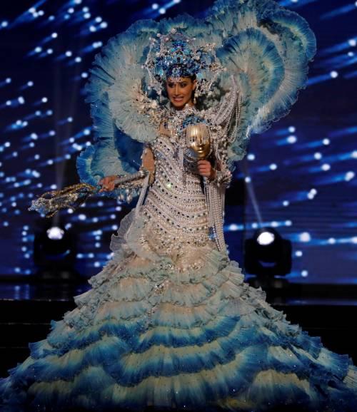 Miss Universo, lo spettacolo dei costumi più belli 16