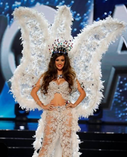Miss Universo, lo spettacolo dei costumi più belli 19