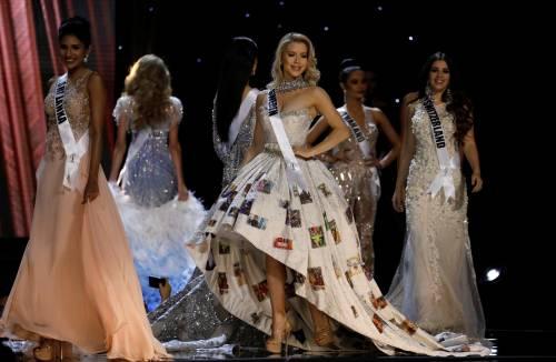 Miss Universo, lo spettacolo dei costumi più belli 18