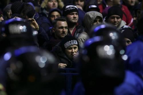 Romeni in piazza contro la corruzione 14