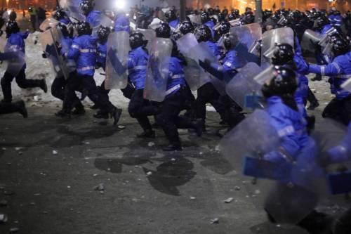 Romeni in piazza contro la corruzione 16