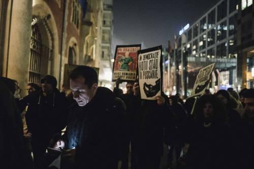 Romeni in piazza contro la corruzione 9