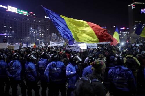 Romeni in piazza contro la corruzione 2