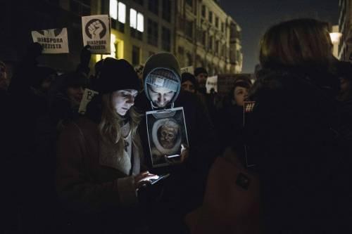 Romeni in piazza contro la corruzione 18