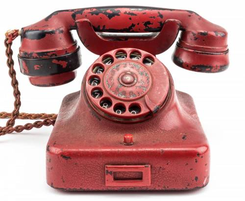 In vendita il telefono utilizzato da Hitler nella II guerra mondiale