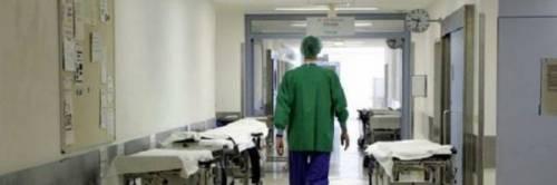 Torino, dona un rene alla sua fidanzata: così le salva la vita