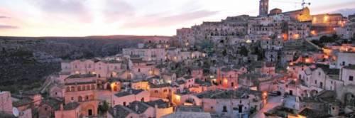 Rumeno minaccia parrocchiani di Matera