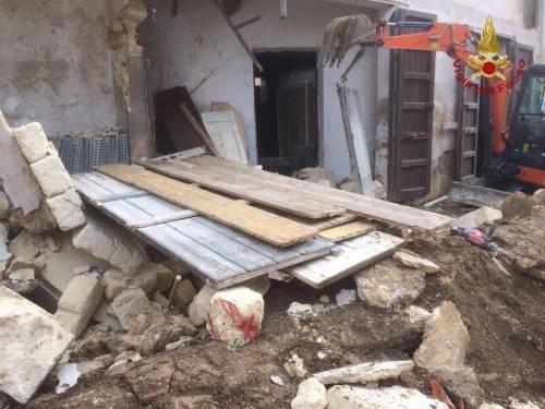 Campobello di Mazara, crolla un vecchio cinema 3