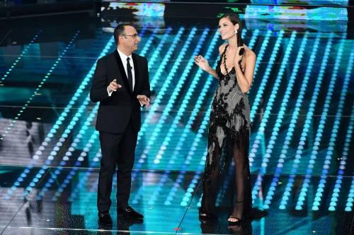 Marika Pellegrini sul palco di Sanremo 7