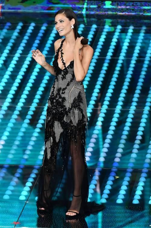 Marika Pellegrini sul palco di Sanremo 11