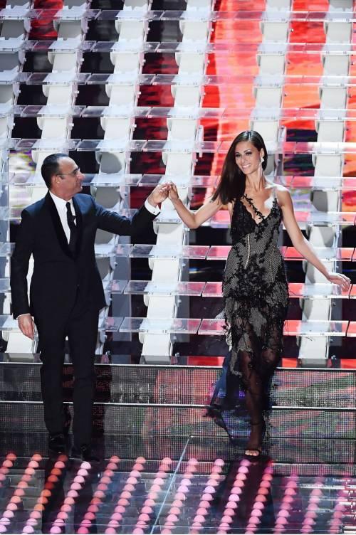 Marika Pellegrini sul palco di Sanremo 6
