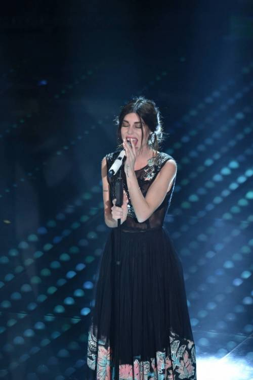 Bianca Atzei si commuove sul palco di Sanremo 5