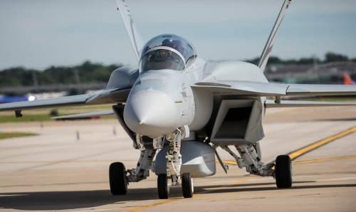 Trump acquista 24 Super Hornet. F-35C nuovamente a rischio