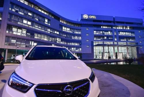 Peugeot acquista Opel: nasce secondo colosso d'Europa