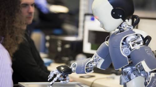 """Utili e un po' """"furby"""", benvenuti nell'età dei robot da compagnia"""