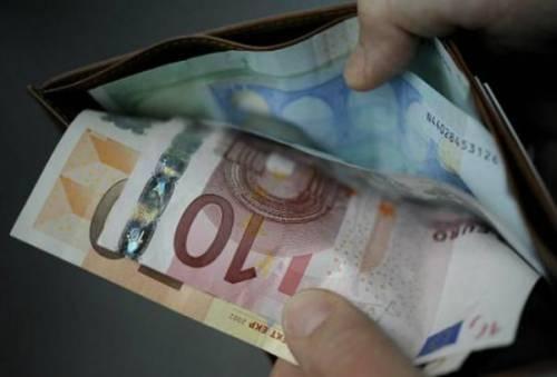 Perugia, trova 35mila euro in contanti per strada e li restituisce