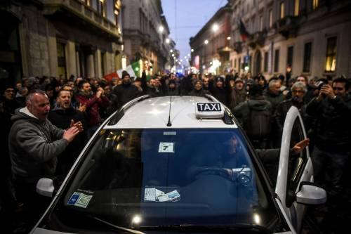 La protesta dei tassisti a Milano  3