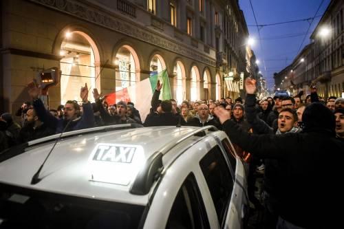 La protesta dei tassisti a Milano  10