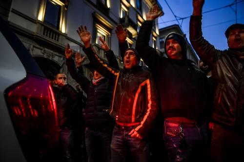 La protesta dei tassisti a Milano  13