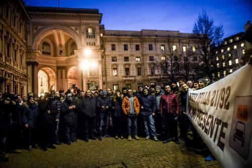 La protesta dei tassisti a Milano  16