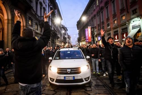 La protesta dei tassisti a Milano  18